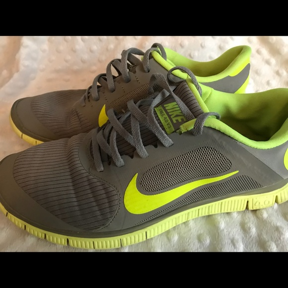 cheaper fd39a 1bc4a Nike Other - NIKE FREE 4.0 V3 - Men s 10.5 - Grey Volt